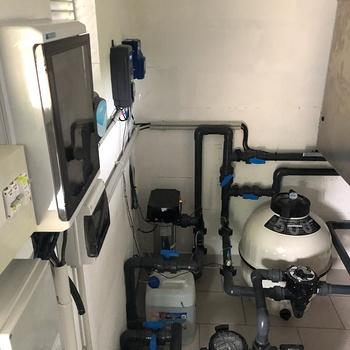 Installation d''une pompe avec déshumidification / Piscine intérieure